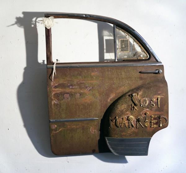 1958, 2011. Portière de Chevrolet, bijoux, photo, néon, 115 x 91 x 25.